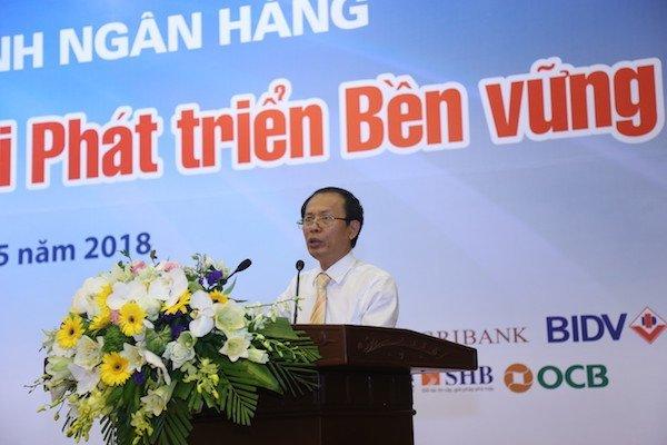 Khó khăn trong cơ cấu lại hệ thống ngân hàng và xử lý nợ xấu