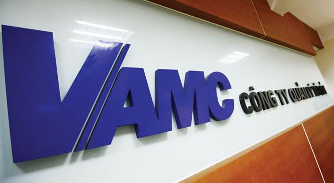 Một số vấn đề liên quan đến việc VAMC ủy quyền cho các TCTD khởi kiện và thực hiện quyền và trách nhiệm của VAMC trong thi hành các bản án/quyết định của tòa án đồi với khoản nợ mua bằng TPĐB