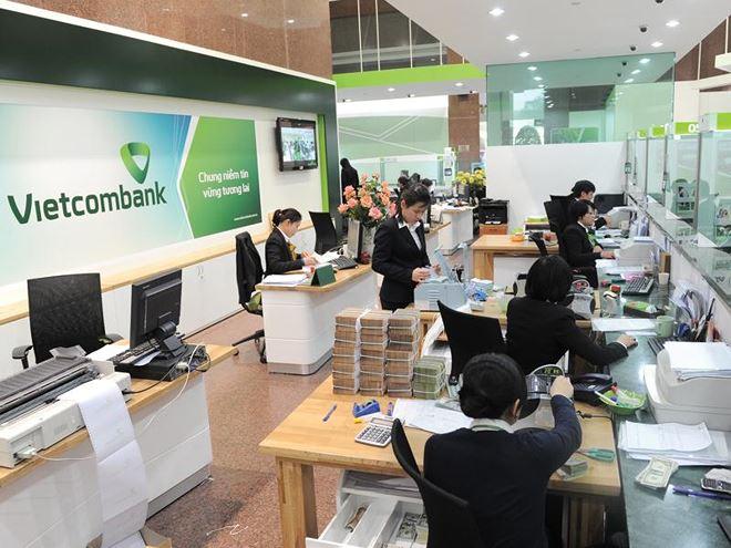 Vốn ngoại chờ thương vụ bán vốn ngân hàng